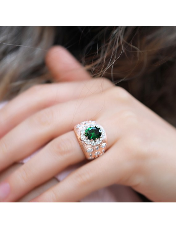 BIG OVAL GREEN STONE RING