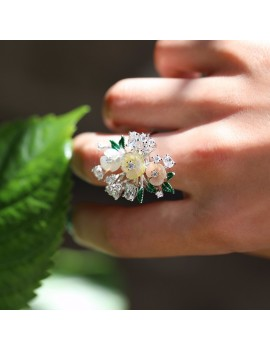 SILVER RING WITH WHITE FLOWER GREEN LEAF